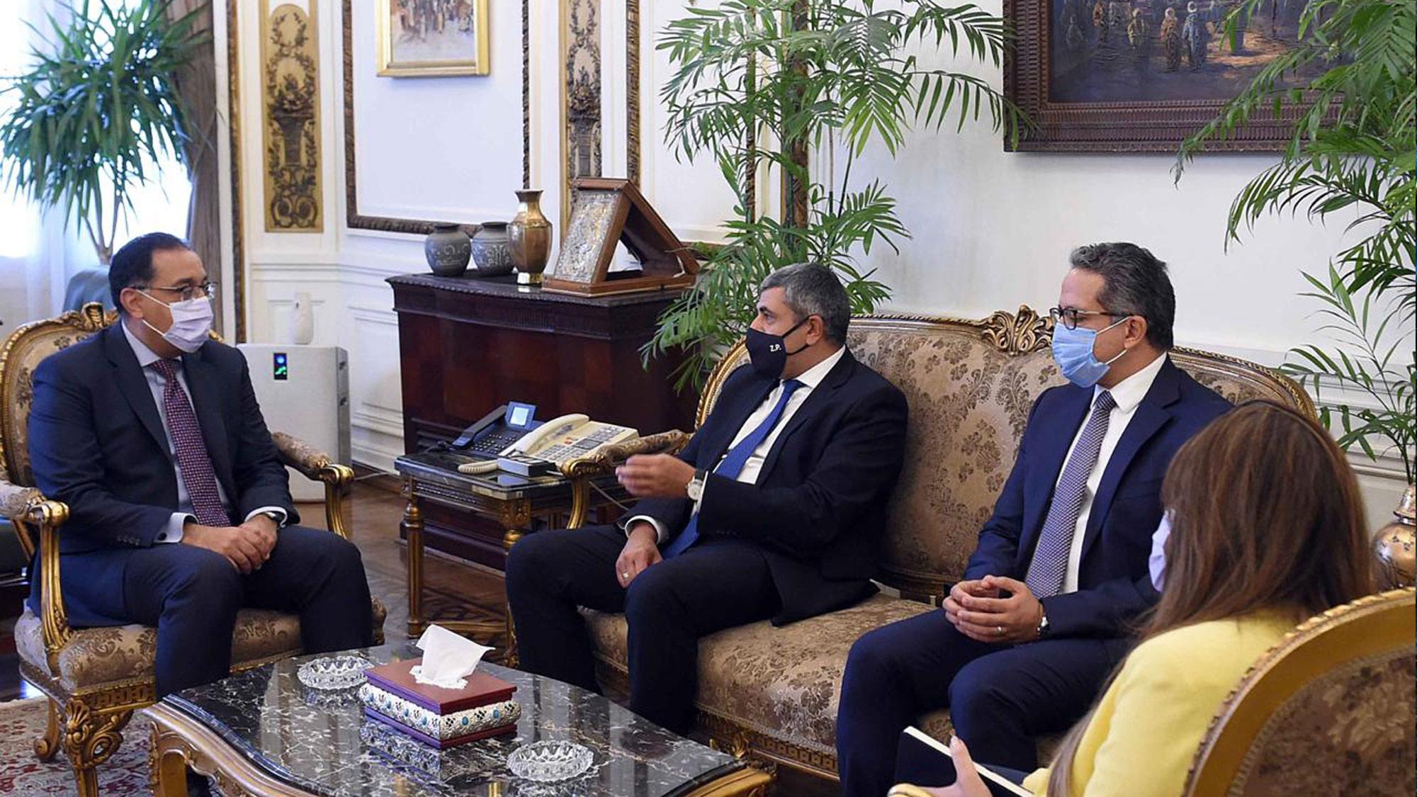 Una delegación de la OMT en visita oficial observa que es posible un reinicio seguro del turismo en Egipto