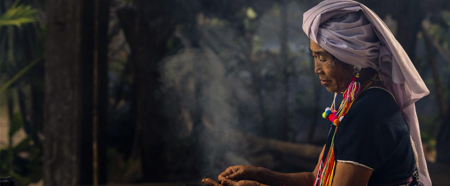 Ahora que el mundo conmemora el Día Internacional de la Mujer en medio de una pandemia que afecta a todo el mundo, se perfila claramente una cruda realidad: la crisis de la COVID-19 tiene rostro de mujer