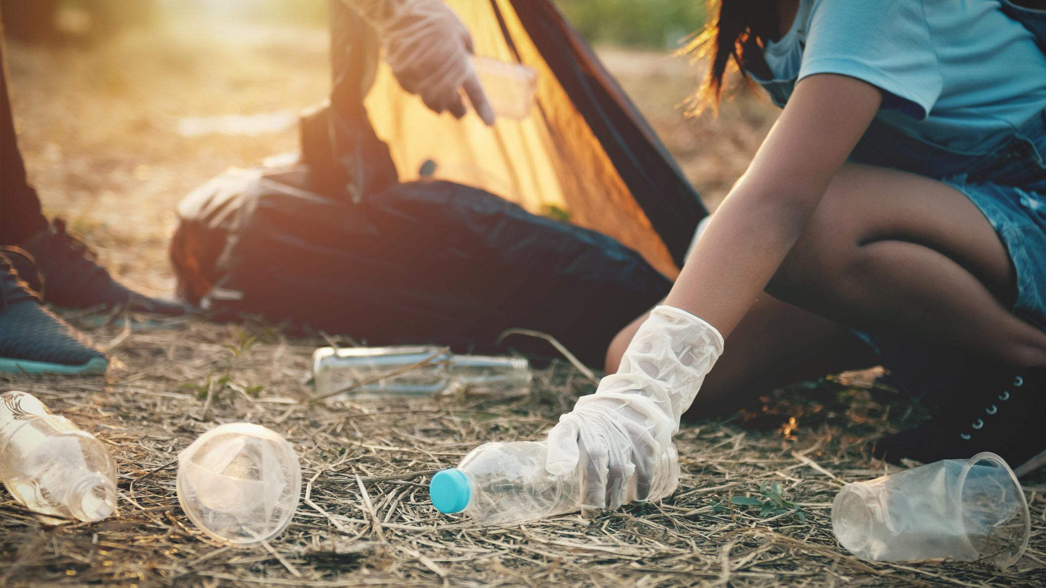 El turismo actúa frente a los residuos plásticos y la contaminación