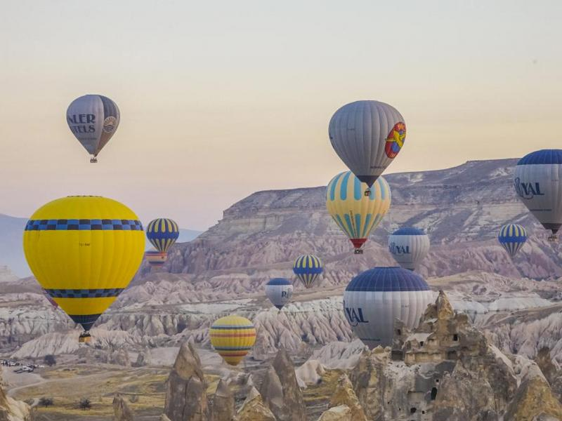 Tourism Enjoys Continued Growth generating USD 5 billion per day