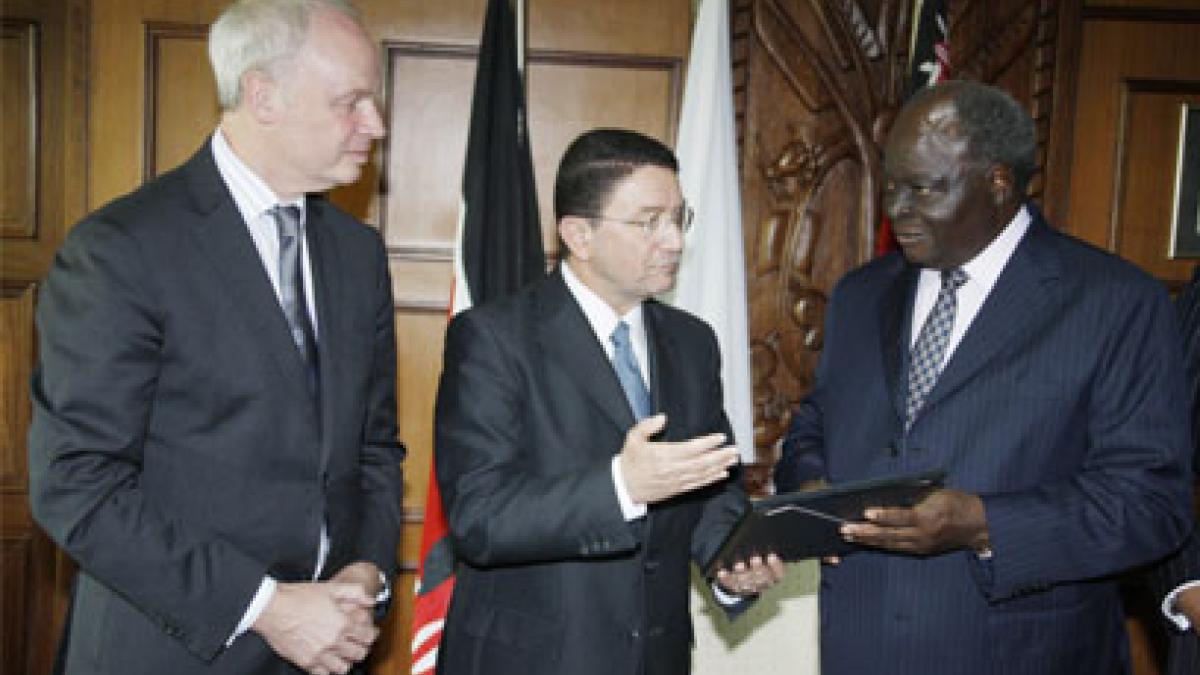 Kenyan President Mwai Kibaki highlights tourism's cultural benefits upon joining UNWTO/WTTC Global Leaders Campaign