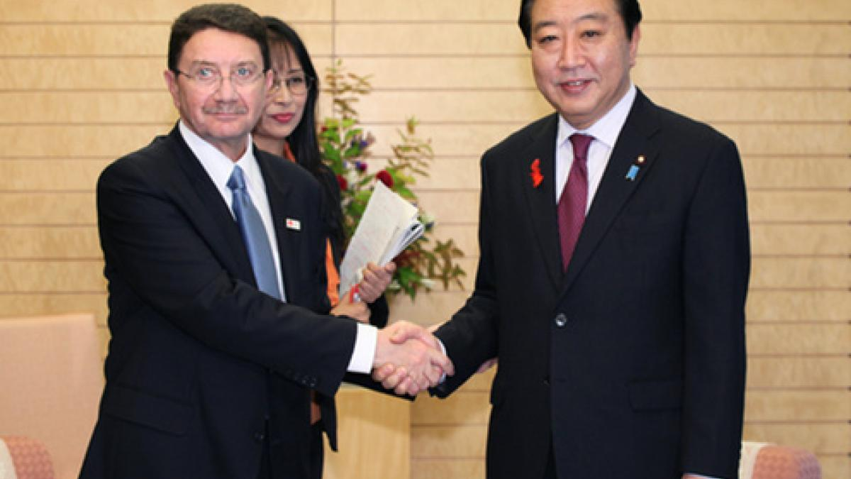 Revitalizing Japan's tourism sector - UNWTO Secretary-General and WTTC President meet Japanese Prime Minister