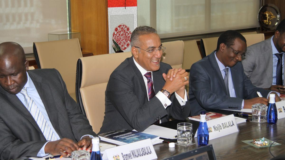Kenya Minister and UNWTO Secretary-General discuss the Organization's priorities for 2012